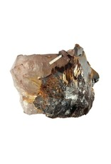 Hematiet met rutiel op kwarts 5,7 x 4,7 x 3,5 cm / 118 gram