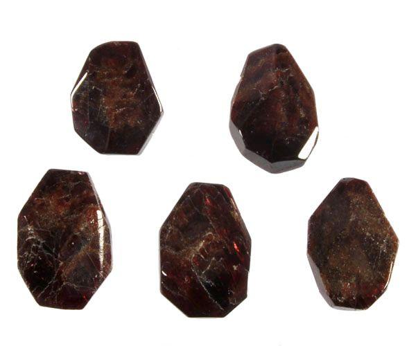 Granaat hanger kristal gepolijst doorboord