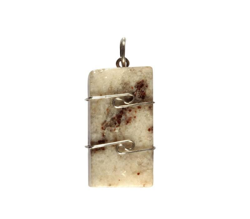 Azeztuliet (Sanda rosa) hanger in zilverdraad