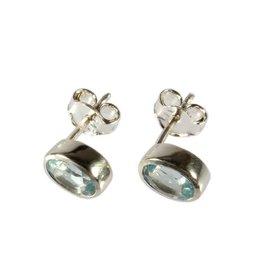 Zilveren oorstekers topaas (blauw) facet 7 x 5 mm