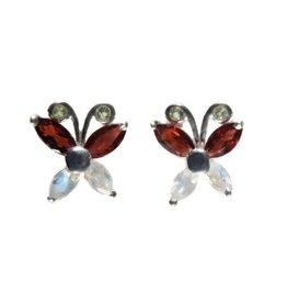 Zilveren oorstekers vlinder granaat, maansteen en peridoot