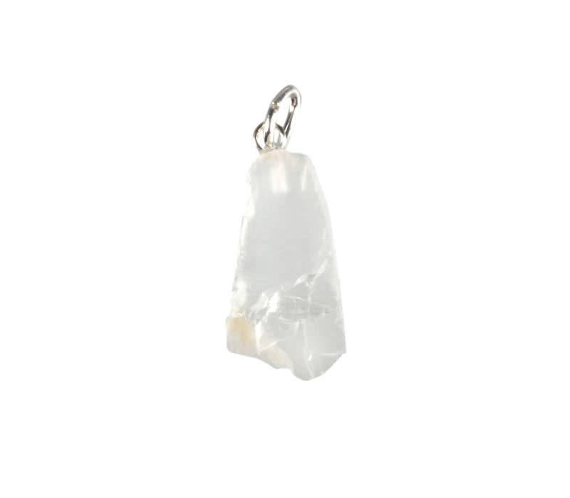 Petaliet (wit) hanger ruw met zilveren oogje