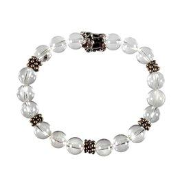 Zilveren armband bergkristal met bedel leeuw reliëf