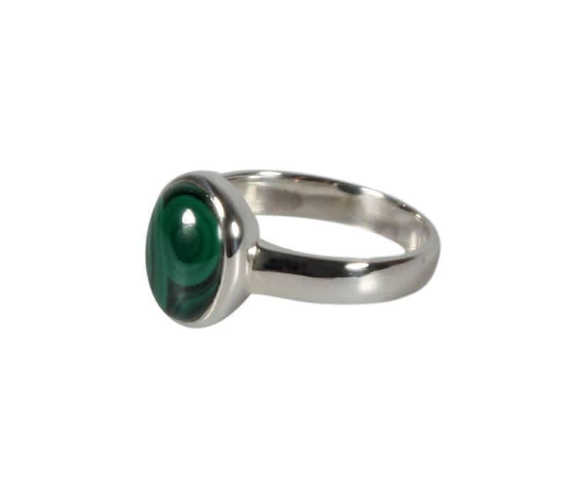 Zilveren ring malachiet maat 17 | ovaal 10 x 8 mm