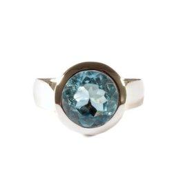 Zilveren ring topaas (blauw) maat 19 1/4 | rond facet 10 mm