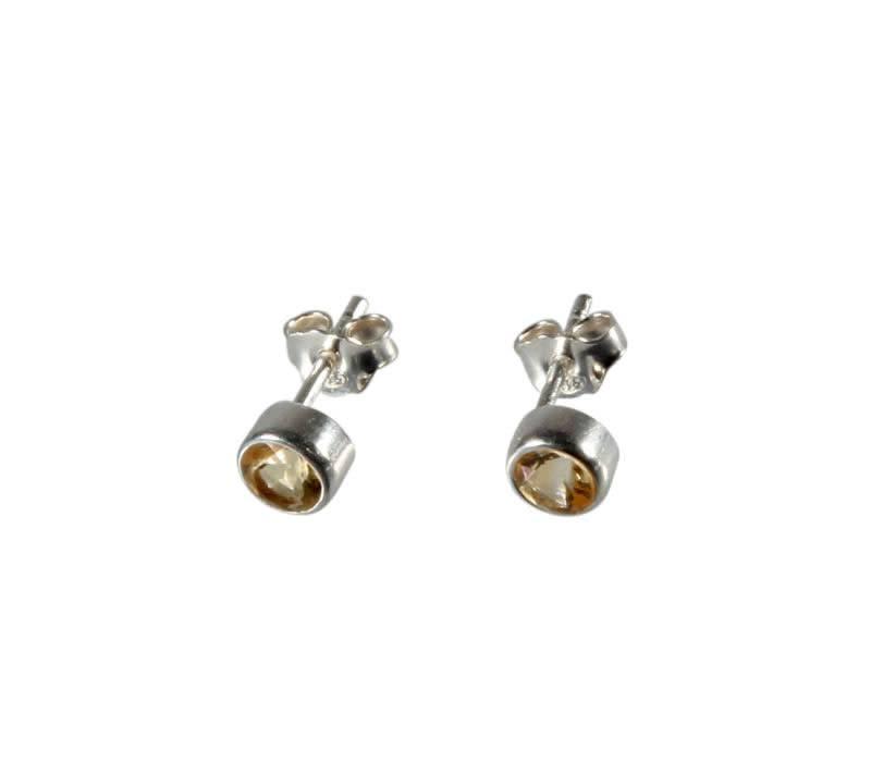 Zilveren oorstekers citrien (verhit) rond facet 4 mm