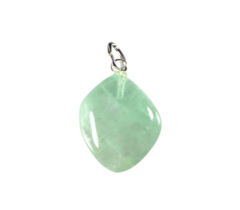 Calciet (groen) hanger met zilveren oogje