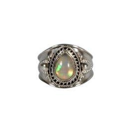 Zilveren ring opaal (edel) maat 19 | druppel 1 x 0,7 cm