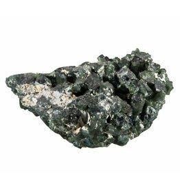 Toermalijn (groen) cluster 5,7 x 3,7 x 2 cm / 46 gram
