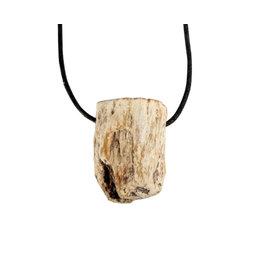 Versteend hout hanger ruw doorboord 1 zijde gepolijst