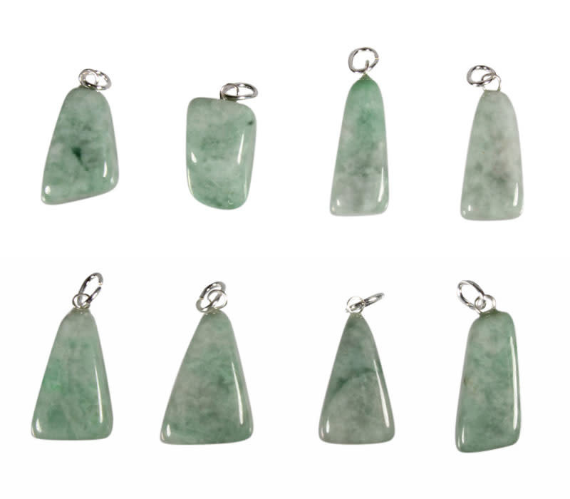 Jade (jadeiet) hanger met zilveren oogje