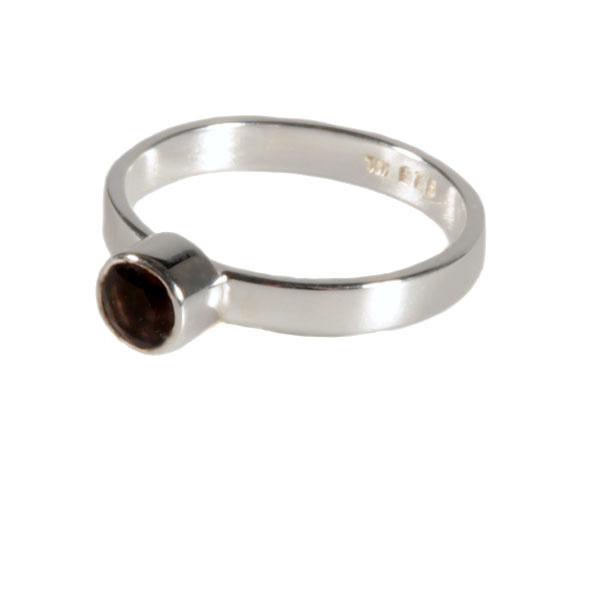 Zilveren ring rookkwarts maat 18 3/4 | rond facet 4 mm