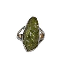 Zilveren ring peridoot maat 17 1/2  ruw 2,2 x 1 cm