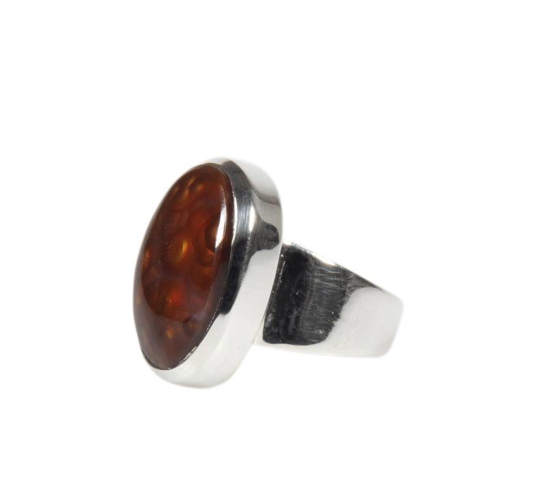 Zilveren ring agaat (vuur) maat 18 | ovaal 1,9 x 1,2 cm