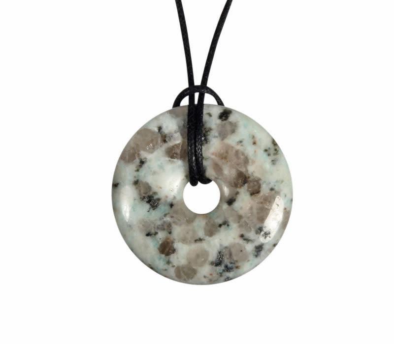Amazoniet met toermalijn in kwarts hanger donut 3 cm
