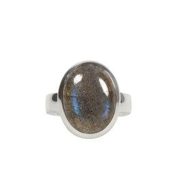 Zilveren ring labradoriet maat 17   ovaal 1,5 x 1,1 cm