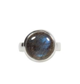Zilveren ring labradoriet maat 19   rond 1,4 cm