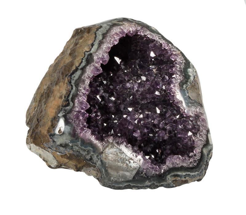 Amethist geode 19 x 13,5 x 9 cm   1688 gram