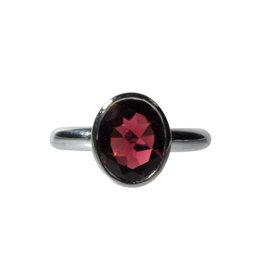 Zilveren ring granaat smalle band maat 16 1/2 | ovaal facet 10 x 8 mm