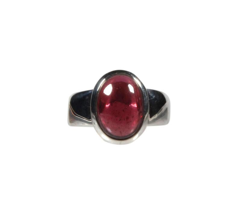 Zilveren ring rhodoliet (granaat) maat 17 1/2   ovaal 1,2 x 0,9 cm