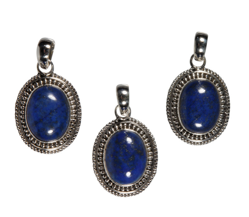 Zilveren hanger lapis lazuli   ovaal 1,5 x 1,2 cm