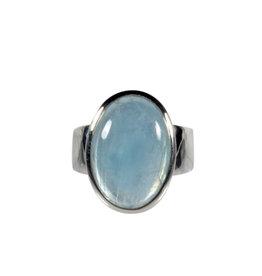 Zilveren ring aquamarijn maat 18   ovaal 1,8 x 1,3 cm