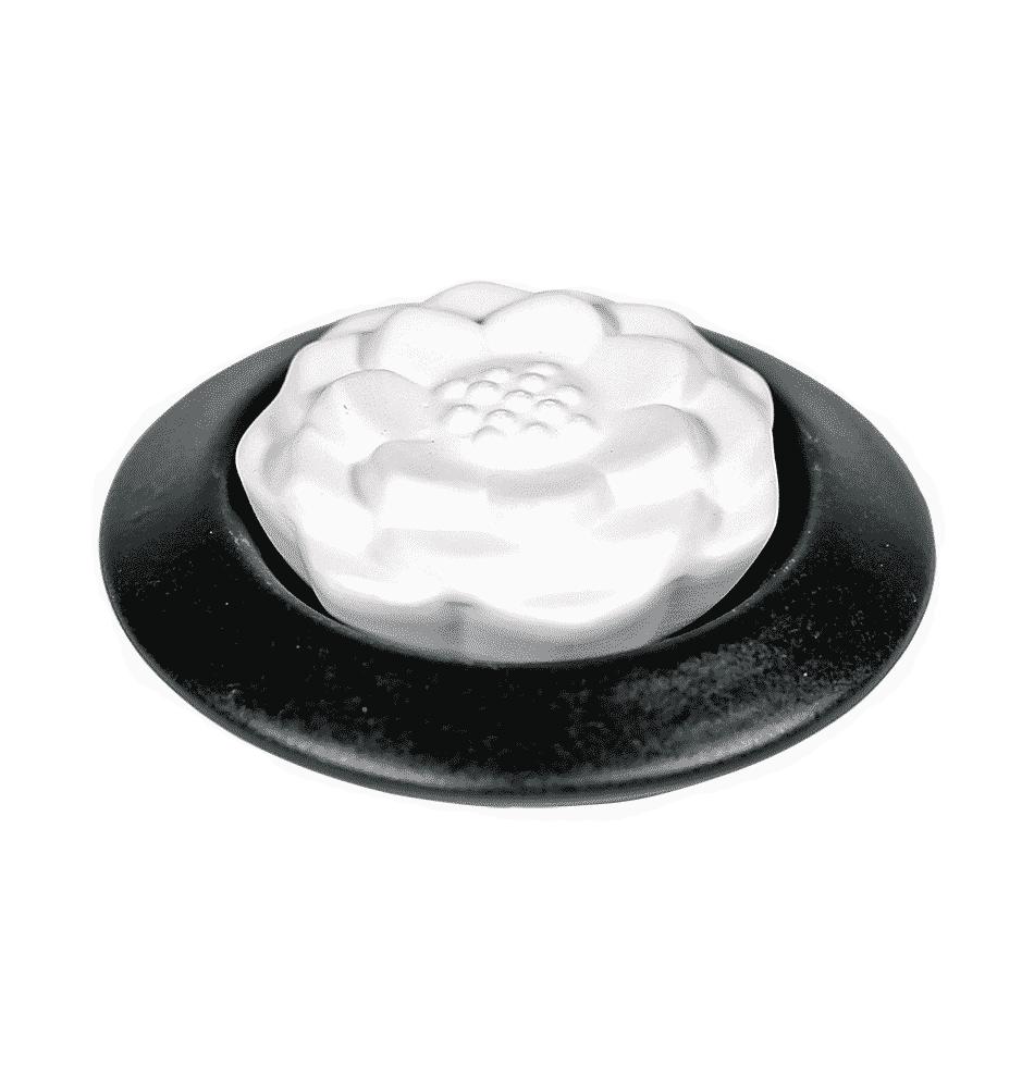 Aromasteen met onderzetter lotus zwart