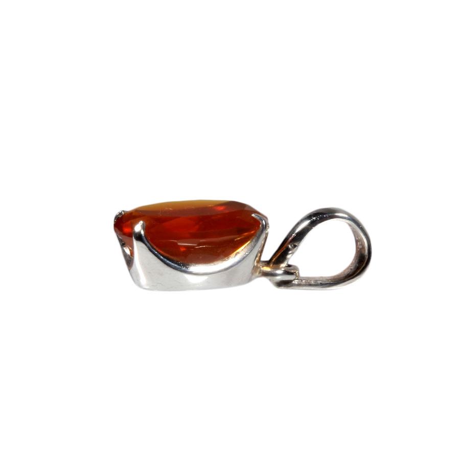 Zilveren hanger opaal (vuur)   ovaal facet gezet 14 x 9 mm