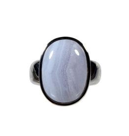 Zilveren ring chalcedoon maat 19 | ovaal 1,9 x 1,3 cm