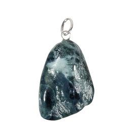 Jade (blauw) hanger met zilveren oogje