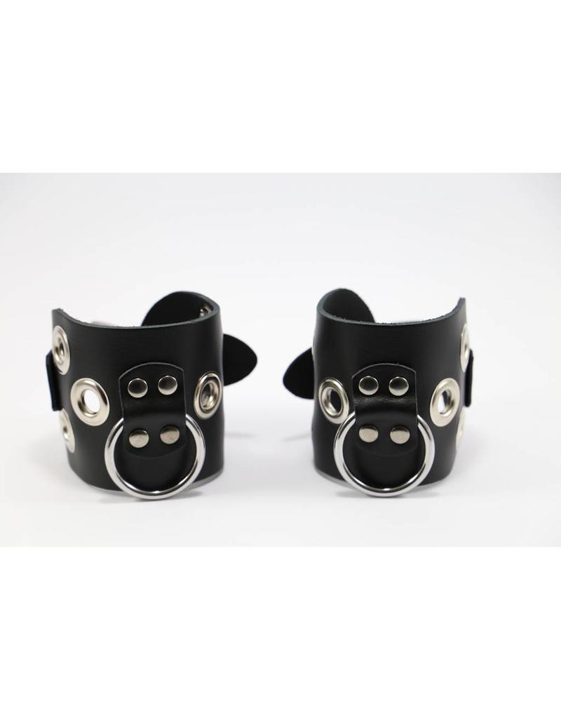 KIOTOS Leather Leather Handcuffs