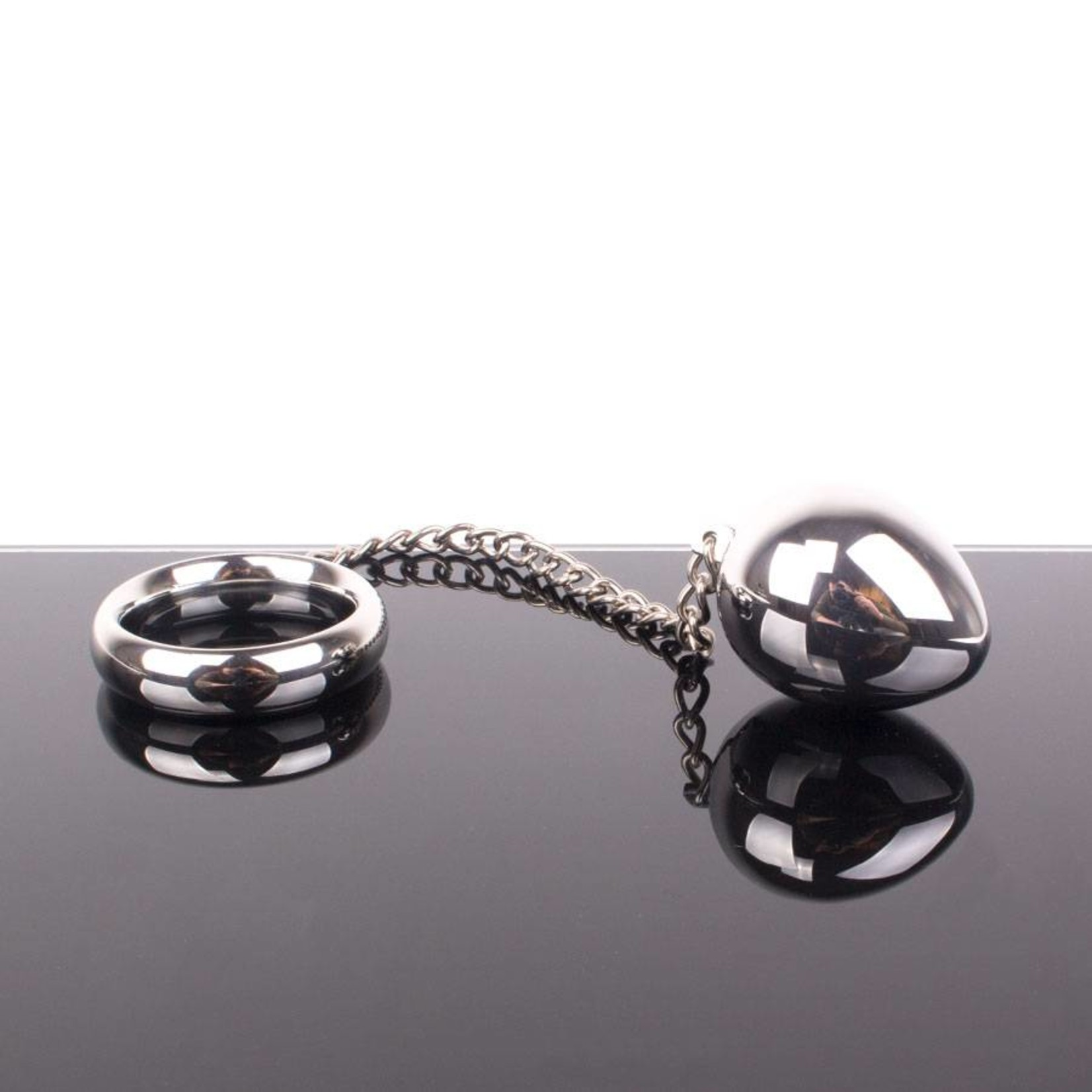 KIOTOS Steel Donut C-Ring Anal Egg with Chain	45x45