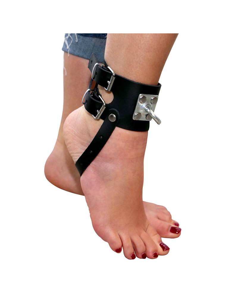 KIOTOS Leather Leather Ankle Restraints with Heavy O-Ring