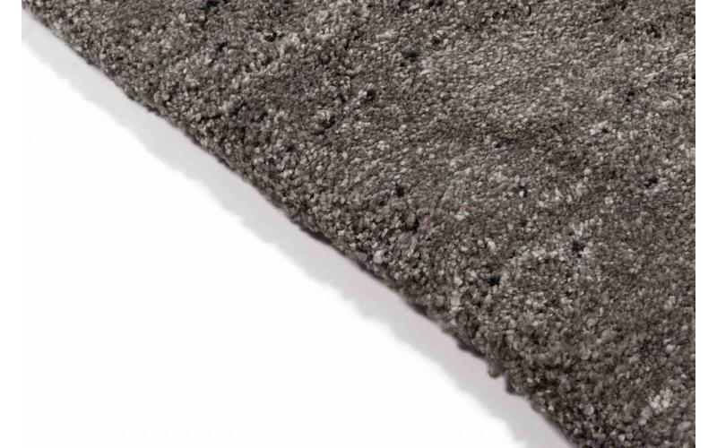 Amerie 23 – Hochflor Teppich in Dunkelgrau