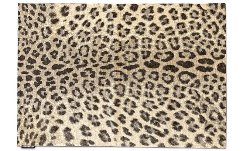 Out of Africa - Vloerkleed in panterprint by Fred van Leer