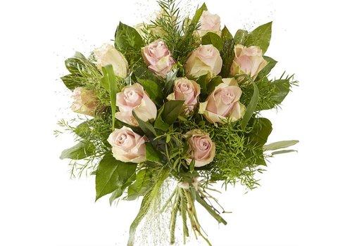 Boeket lieflijk roze roos