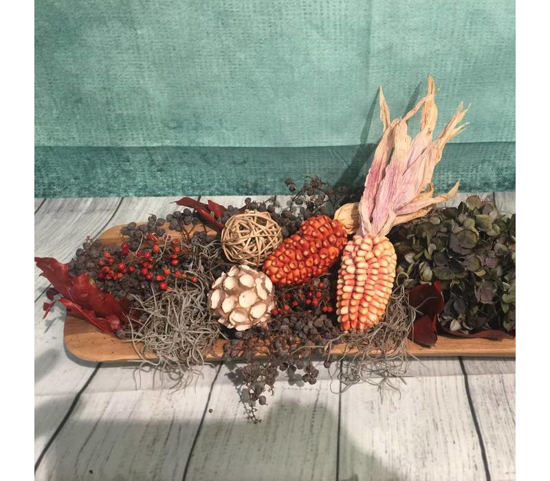 Herfstdecoratie op houten plank