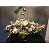 Ovaal kunst kerststuk gouden kerstballen