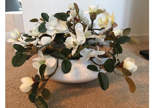 Ron Hoogglans, witte schaal met Magnolia