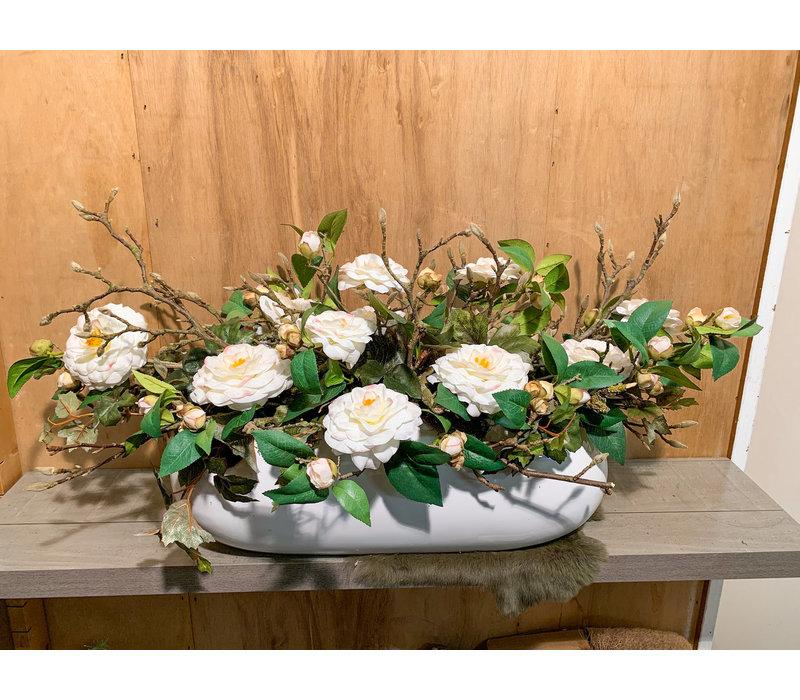 Hoogglans, ovale bak met tuinrozen & Magnoliatakken