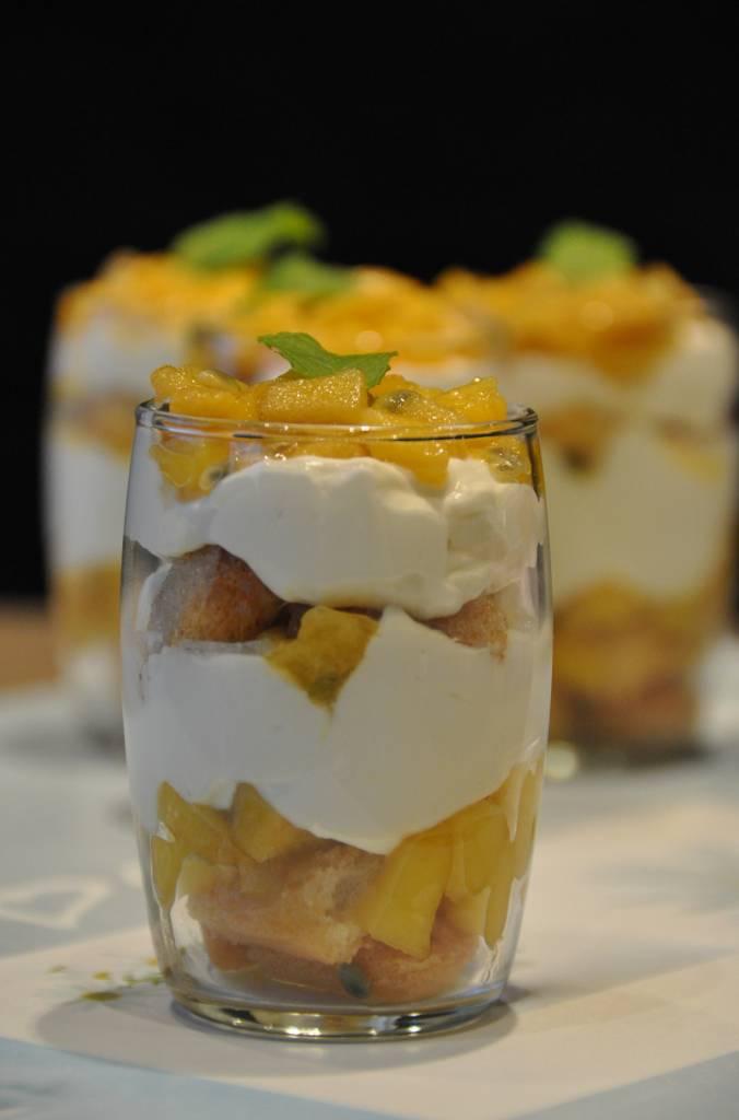 Tiramisu met Mango, passievrucht en Combava