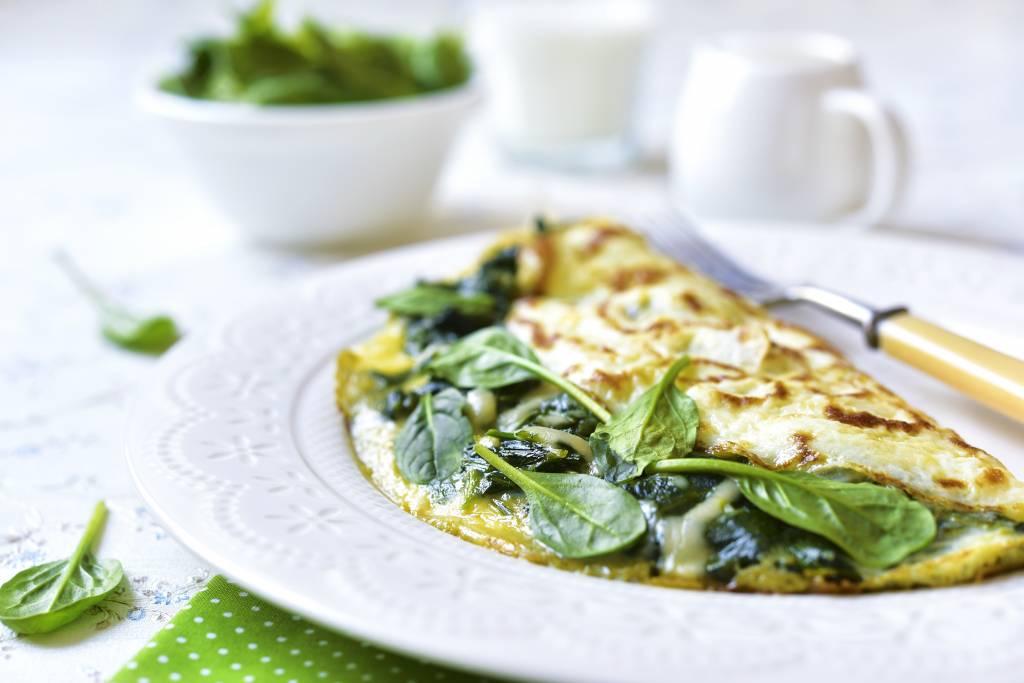 Omelet met spinazie en gomasio zout