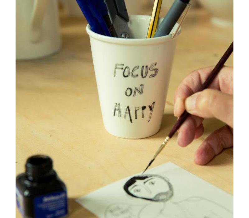 Beker in porselein 'Focus on happy'