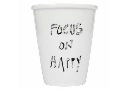 """helen b Beker in porselein """"Focus on happy"""""""