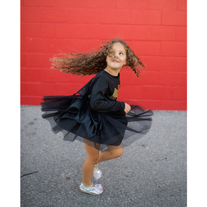 Superheldin jurk zwart/goud (5-6 jaar)