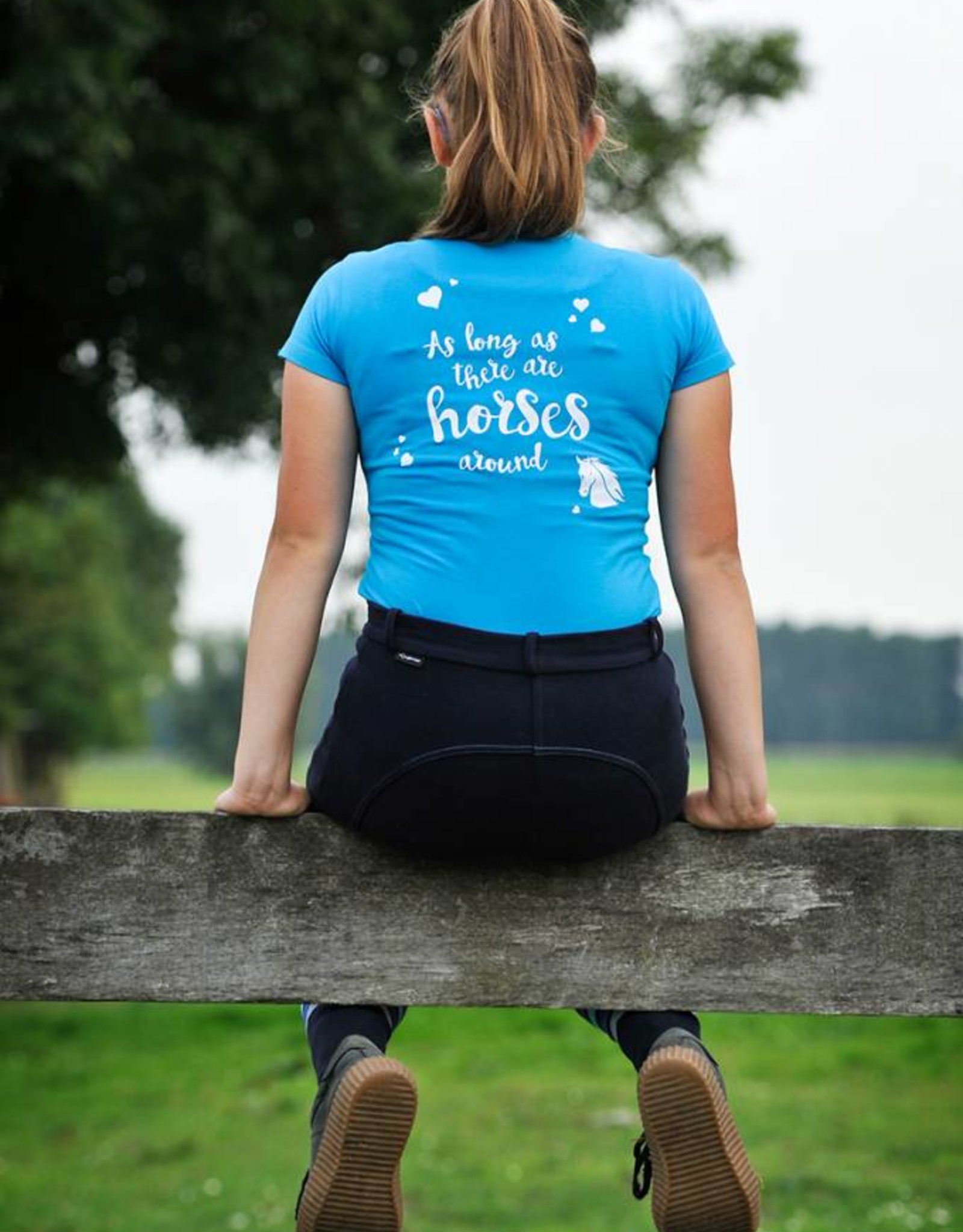 HVP t-shirt  - Anything is possible - Licht blauw