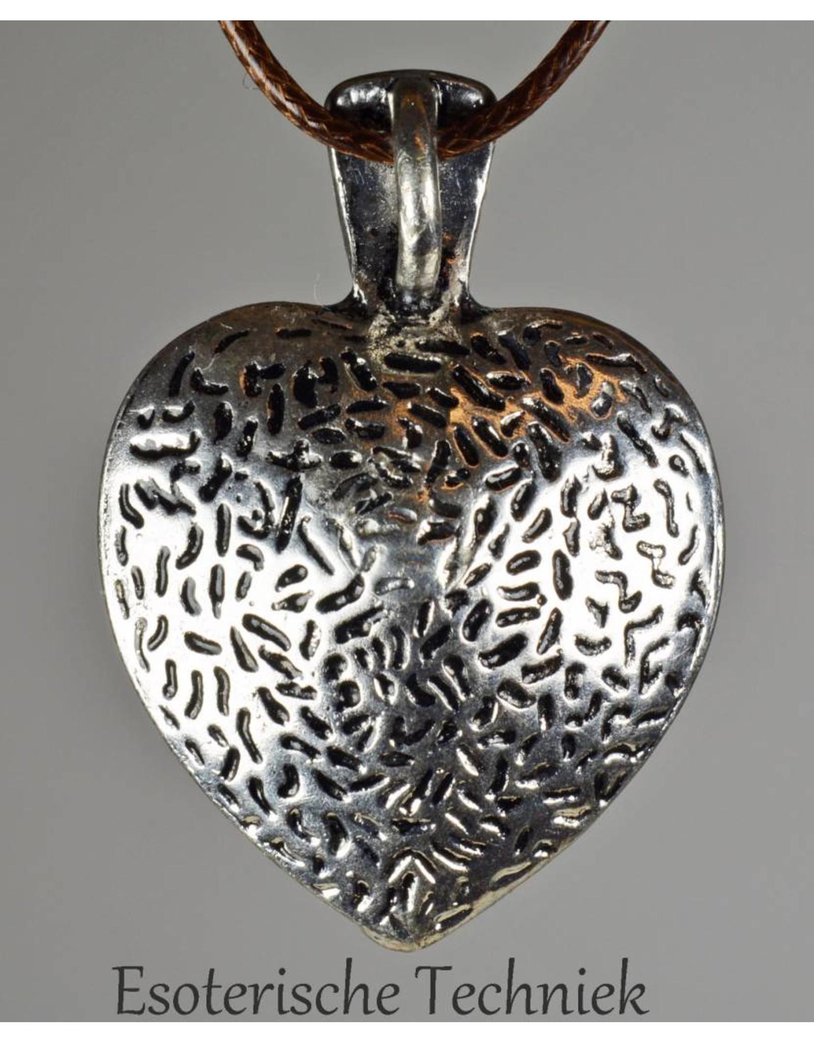 Orgone orgonite hanger hart, bescherming tegen elektrosmog en schadelijke straling.