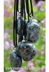 Orgone orgonite hanger Larvikiet, persoonlijke bescherming tegen o.a. schadelijke en belastende vormen van straling.