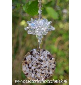 Orgonite Stralingswerende raamhanger lotusbloem  met Granaat en Mangano Calciet