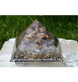 Orgonite piramide met Cryoliet, Seleniet en ruwe zirkoon in matrix